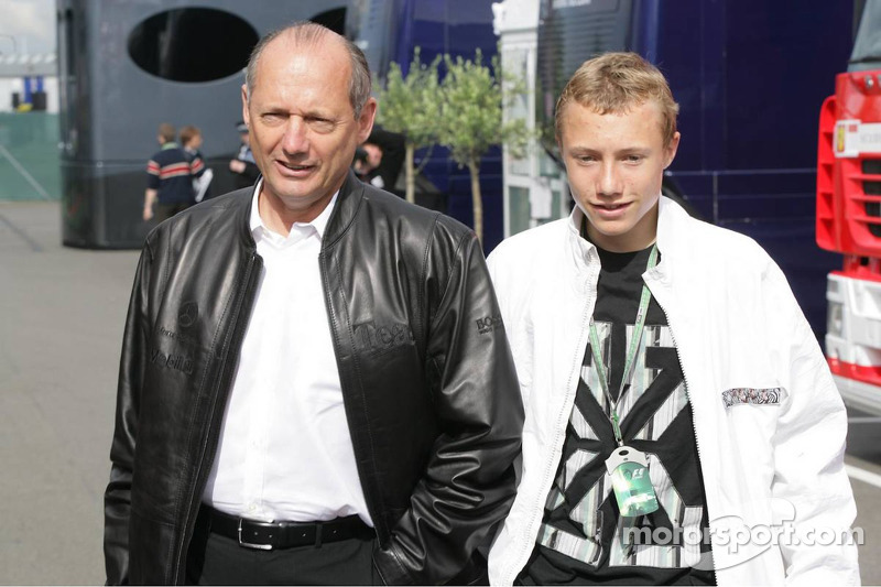 ron dennis with his son at british gp