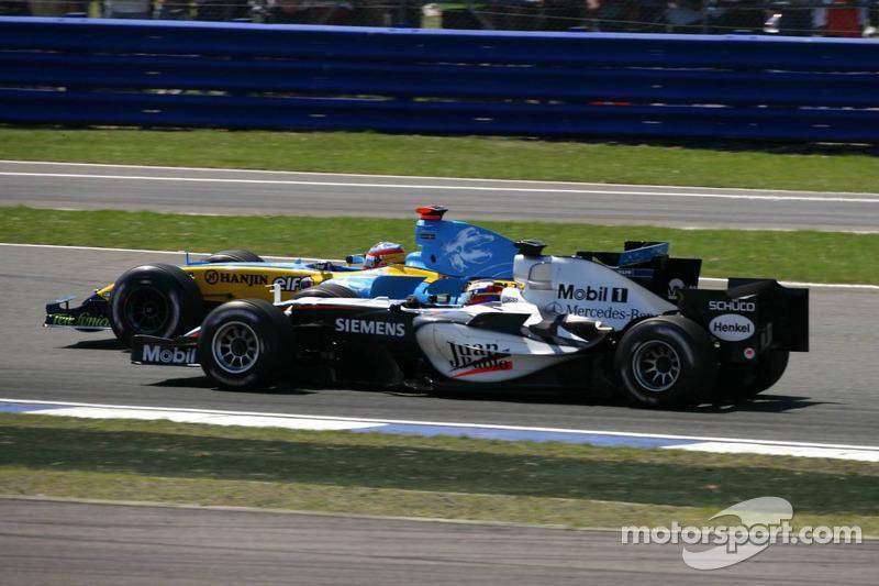 Inicio: Juan Pablo Montoya y Fernando Alonso lucha por el liderato