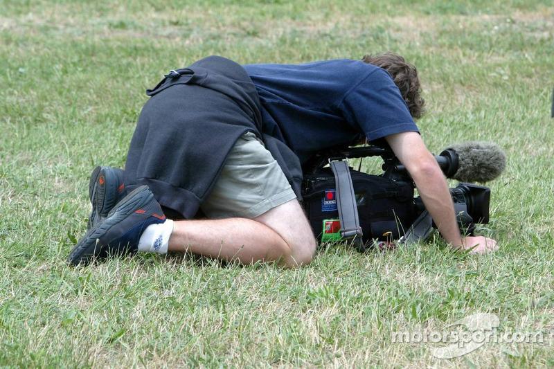 Un camarógrafo en el trabajo