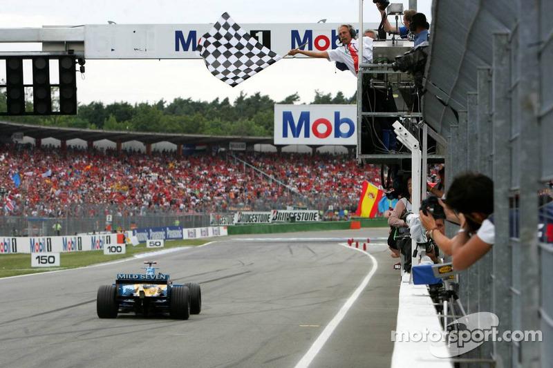 Fernando Alonso se lleva la bandera a cuadros