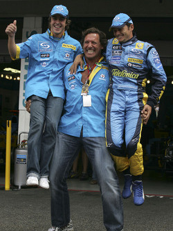 Fernando Alonso and Giancarlo Fisichella with actor Ralf Möller