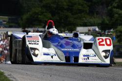 La Lola EX257 AER n°20 du Dyson Racing Team (Chris Dyson, Andy Wallace)
