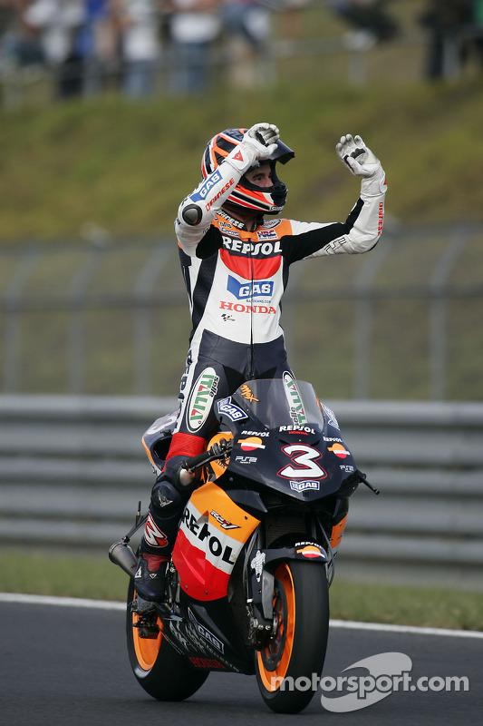 Max Biaggi celebra segundo lugar