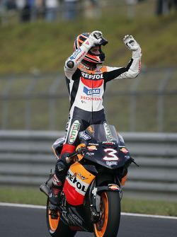 Max Biaggi celebrates second place