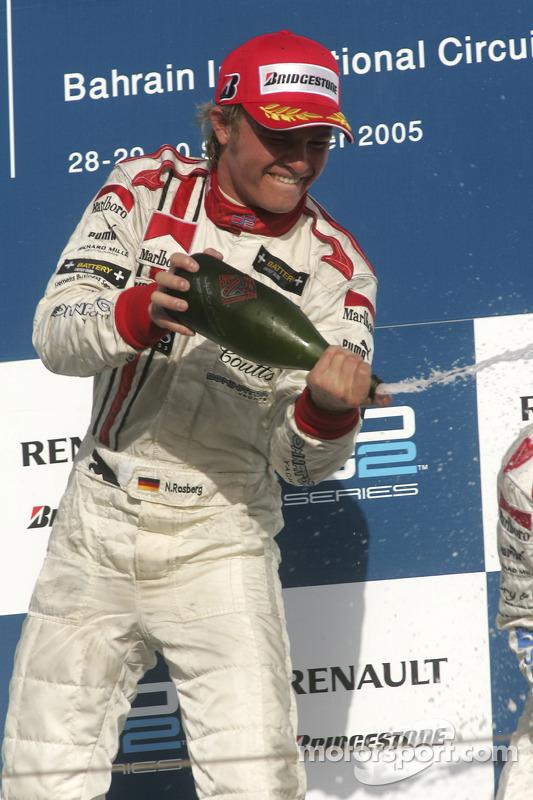Podio: champagne para Nico Rosberg
