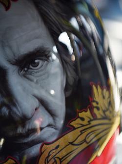 Helm von Clint Bowyer, Michael Waltrip Racing, Toyota