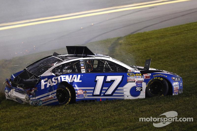 Ricky Stenhouse jr., Roush Fenway Racing, Ford, in Schwierigkeiten