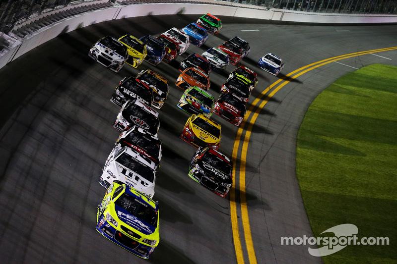 Paul Menard, Richard Childress Racing Chevrolet leads