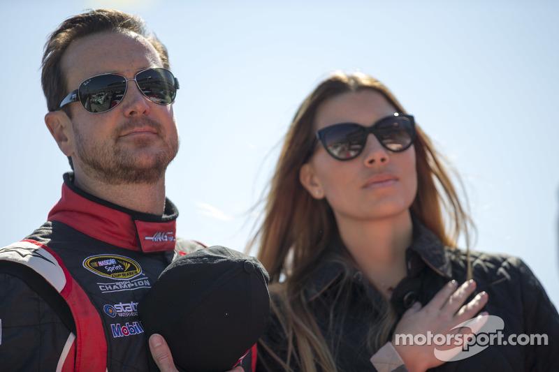 Kurt Busch, Stewart-Haas Racing, Chevrolet, mit Freundin