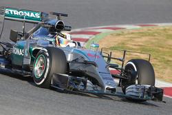 刘易斯·汉密尔顿, 梅赛德斯AMG车队 F1 W06赛车——使用监测设备测试
