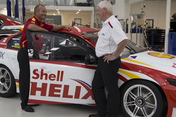 Dick Johnson et Marcos Ambrose, Team Penske Ford