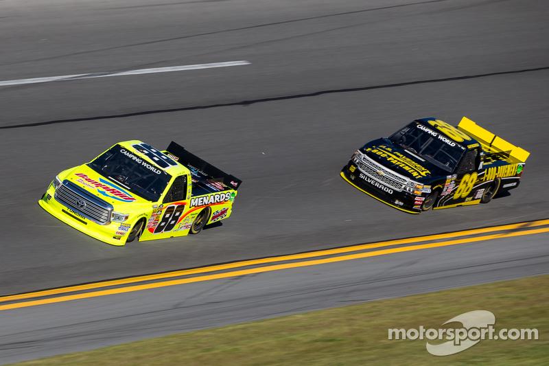 Matt Crafton, ThorSport Racing, Toyota, und Clay Greenfield, Clay Greenfield Racing, Chevrolet