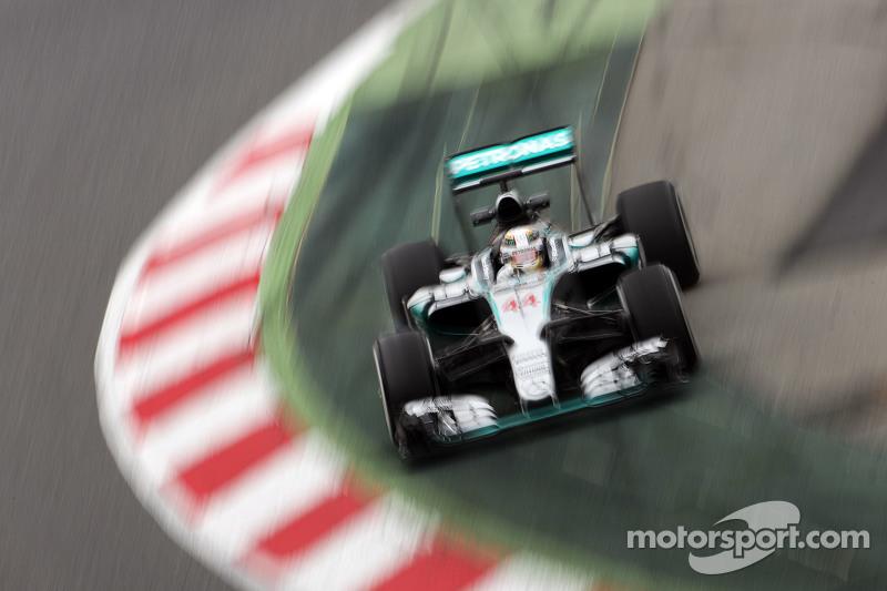 Lewis Hamilton, Mercedes AMG F1 W06, kommt von der Linie ab