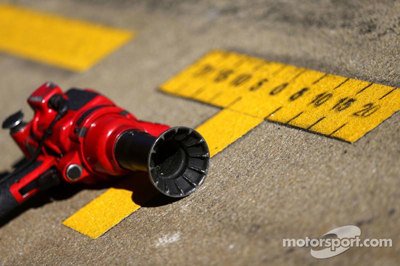 Lotus F1 Team; arma do pitstop no pitlane