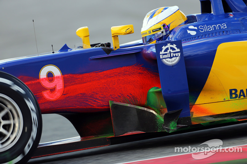 Marcus Ericsson, Sauber C34 running flow-vis paint at Barcelona February testing II