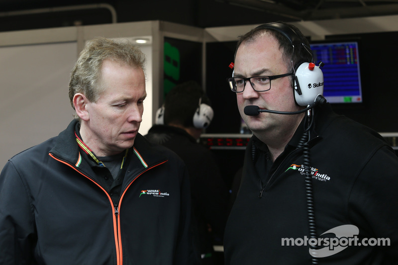(Von links nach rechts): Andrew Green, Technischer Direktor bei Sahara Force India F1 Team, mit Tom McCullough, Chefingenieur bei Sahara Force India F1 Team