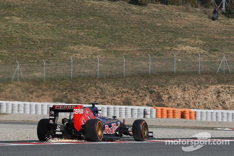 Max Verstappen, Scuderia Toro Rosso STR10 mit Funkenflug