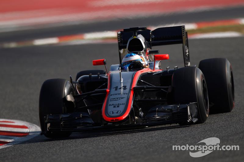 2015: Comeback bij McLaren begint merkwaardig