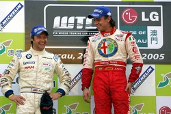 Podium: race winner Augusto Farfus Jr. with Andy Priaulx