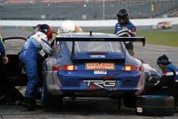 Arrêt au stand pour #65 Auto Gallery TRG Porsche GT3 Cup: Kevin Buckler, Marc Bunting, Andy Lally, Carlos de Quesada, Hugh Plumb