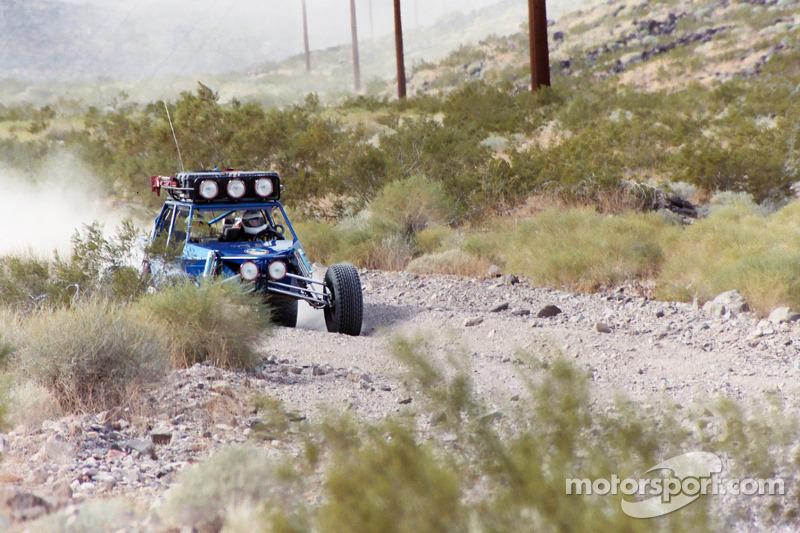 Vanguard Racing: Ronn Bailey traverse le désert rocheux avec le buggy