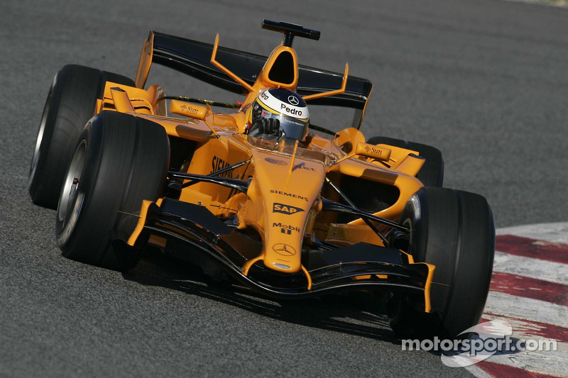 Pedro de la Rosa tests the new McLaren MP4-21