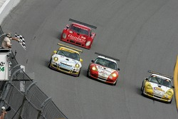 Checkered flag for the Synergy Racing Porsche cars