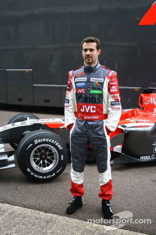 Tiago Monteiro avec la nouvelle MF1 Racing M16