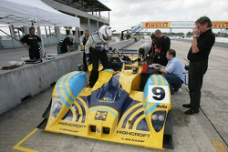 Andy Wallace gets in the Lola B01/60-AER