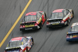 Mike Wallace and Casey Mears battle
