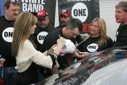 Dale Earnhardt Foundation joins 'One' campaign: Teresa Earnhardt signs more items
