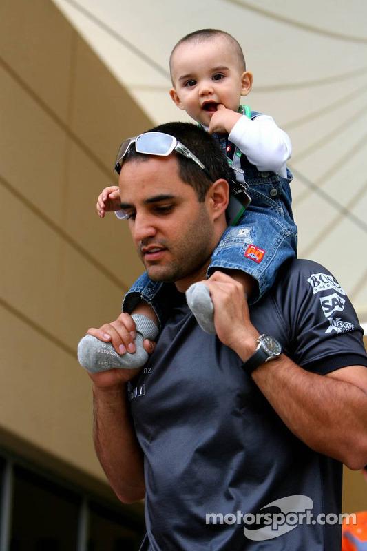 Juan Pablo Montoya et son fils Sebastien