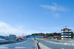 Le matin chez Mazda Raceway Laguna Seca après la pluie