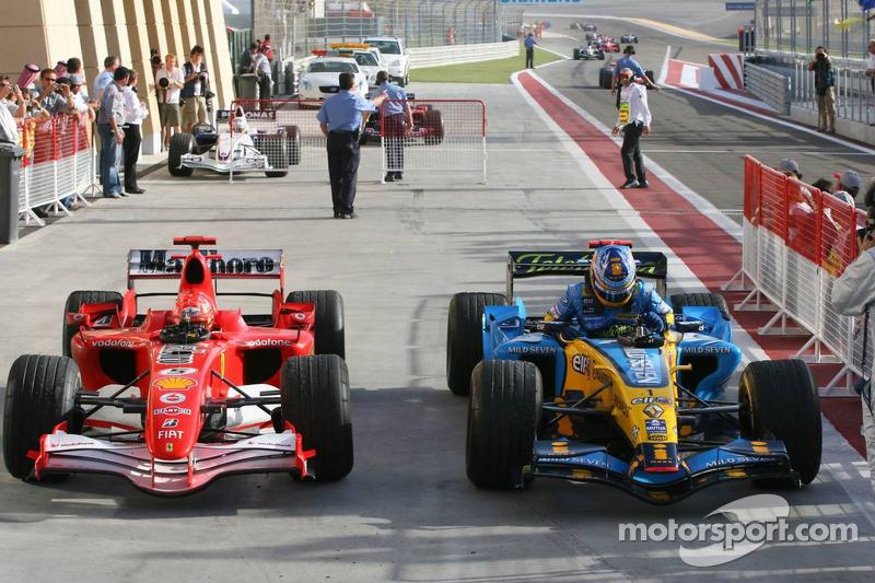 Ganador de la carrera que Fernando Alonso llega en Parc Fermé con Michael Schumacher