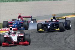 Ernesto Viso bloque les roues au freinage