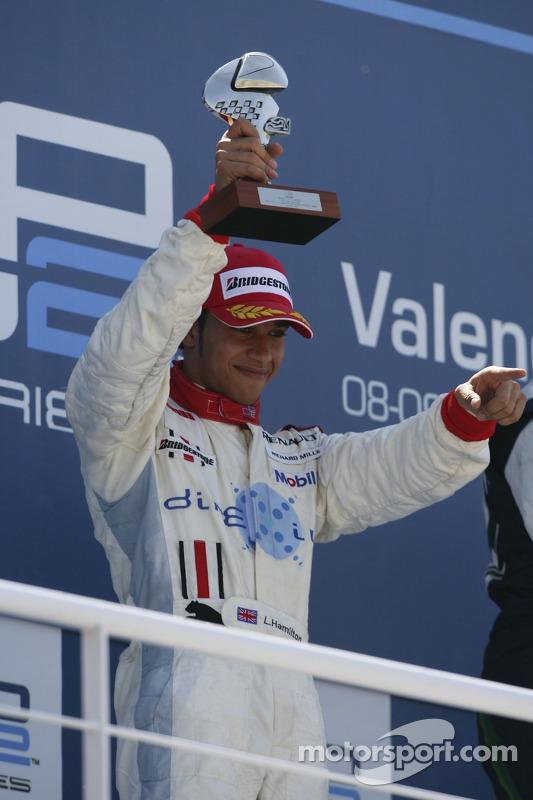 Lewis Hamilton sur le podium