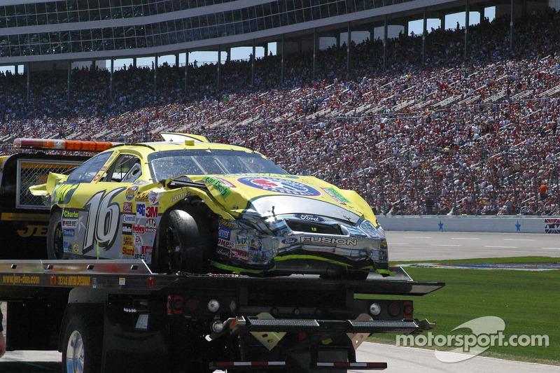 Les restes de la voiture de Greg Biffle