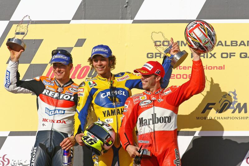 Podium: Valentino Rossi avec Nicky Hayden et Loris Capirossi