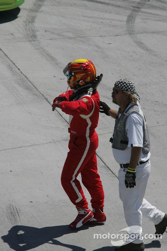 Départ: course terminée pour Oriol Servia