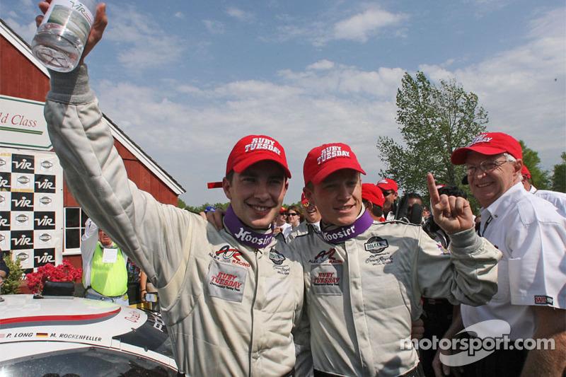 Les vainqueurs de la course Mike Rockenfeller et Patrick Long