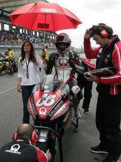 Alex Hofmann on the starting grid