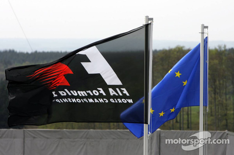 Banderas Unión Europea y F1