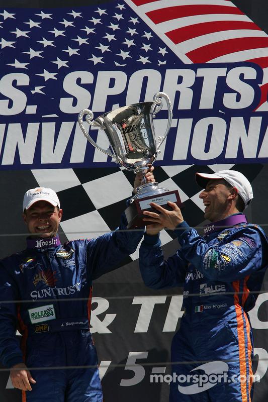 Podium DP: vainqueurs de la course et du classement général Jan Magnussen et Max Angelelli