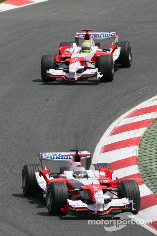 Jarno Trulli devant Ralf Schumacher
