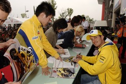 Autograph session for Colin Edwards