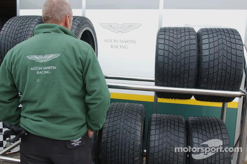 Le paddock Aston Martin
