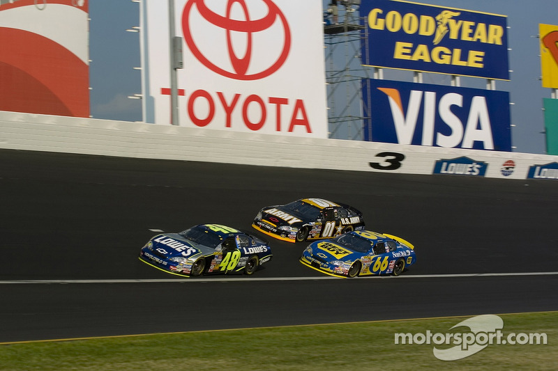 Jimmie Johnson, Jeff Green et Joe Nemechek