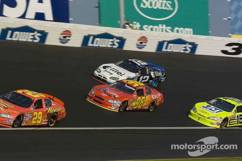 Kevin Harvick, Tony Raines, Ryan Newman et Paul Menard