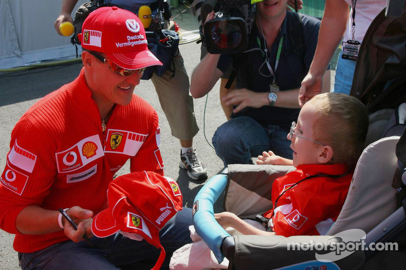 Michael Schumacher rencontre un fan