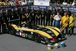 Julien Briché, Frédéric Hauchard, Patrice Roussel and Welter Gérard team members pose with the WR Peugeot